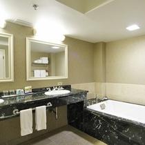 Queens Suite 04