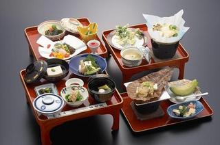 お寺でお昼御飯【料理ボリュームアップ】