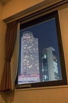 客室窓風景夜