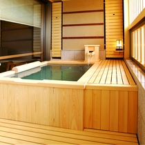 純和室 露天風呂 檜