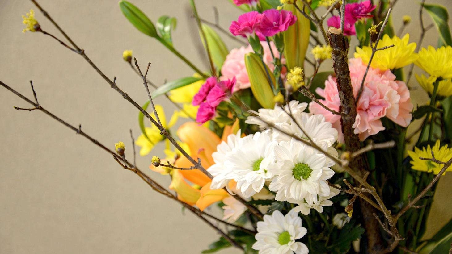 *【部屋のしつらえ(一例)】季節のお花でお迎えすることも♪