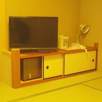 *【客室一例】液晶テレビとセキュリティボックス