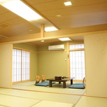 *8~20畳の和室客室をご予約人数に合わせてご用意いたします