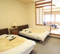MA本館2F和室10帖+ツインベットルームMA212