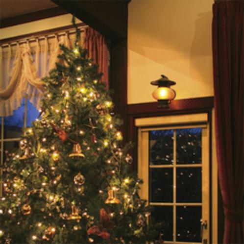 リビングにある大きなクリスマスツリー