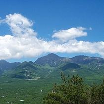 夏の雄大な八ヶ岳(しし岩~平沢峠)