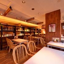 *アンチエイジングダイニング(2F)/シックでモダンなレストランでごゆっくりお食事をお愉しみ下さい。