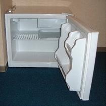 ■空の冷蔵庫■