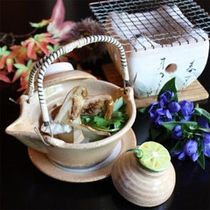 秋の味覚!松茸の土瓶蒸し