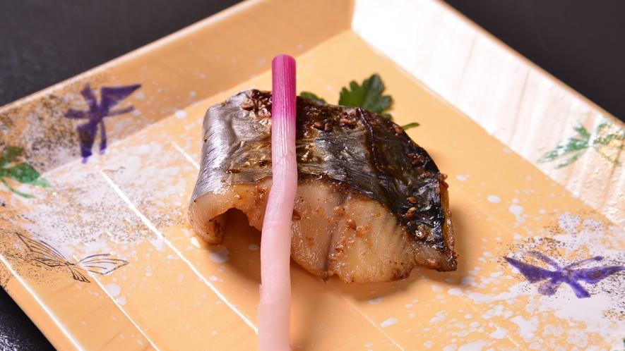 *お夕食一例(サワラの利休焼)