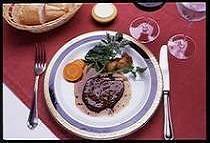 牛フィレ肉の赤ワインソース