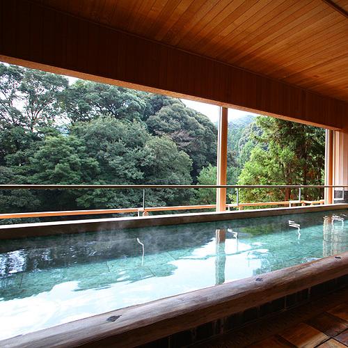 【2F こもれびの湯】 半露天風呂
