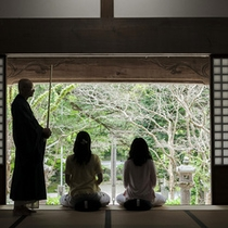 大寧寺で朝座禅