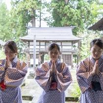 歴史あるお寺で参拝