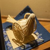 館内の様子:野沢温泉の工芸品「はと車」