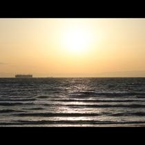 *野間灯台から見える夕焼け。