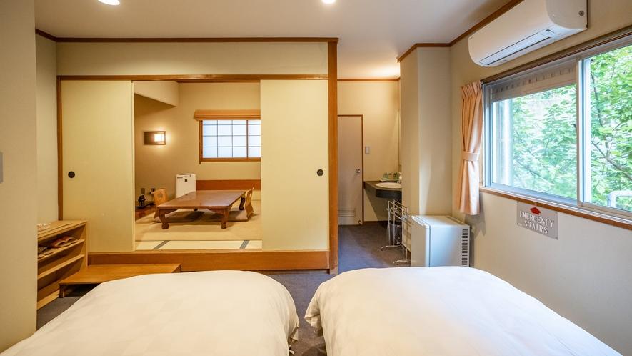 【山側・和洋室ツイン】お二人だけの寛ぎと憩いの空間です。