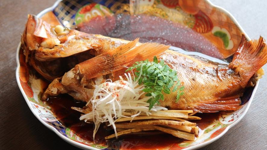 【メバル】一本釣りで獲る希少な30㎝越えのメバルの煮つけ!お一人様に一匹ご用意する春限定食材です。