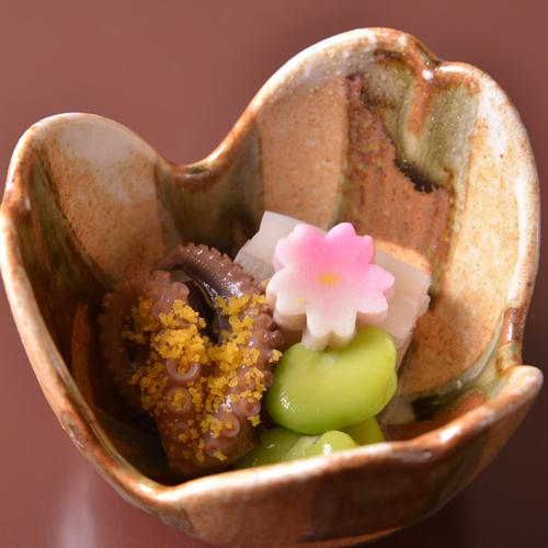 【ご夕食(先付)】季節感あふれる「懐石料理」の一例