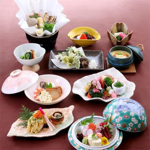 懐石料理(一例) 口コミ★★★★★夕食も朝食も食べ切れないほどで食前酒も美味しかったです。