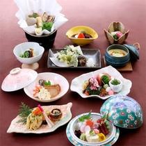 懐石料理(一例) 口コミ★★★★★→夕食も朝食も食べ切れないほどで食前酒も美味しかったです。