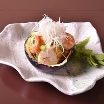 【ご夕食(揚物)】季節感あふれる「懐石料理」の一例