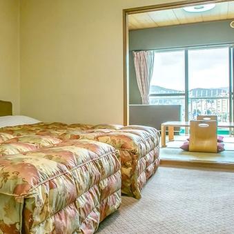 (ビーチビュー)和室6畳+洋室ツイン40平米ビーチ側2〜5F
