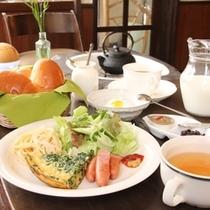 ワンプレートメニューの朝食(一例です)