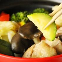 夕食 野菜をたっぷり使った!蒸し鍋