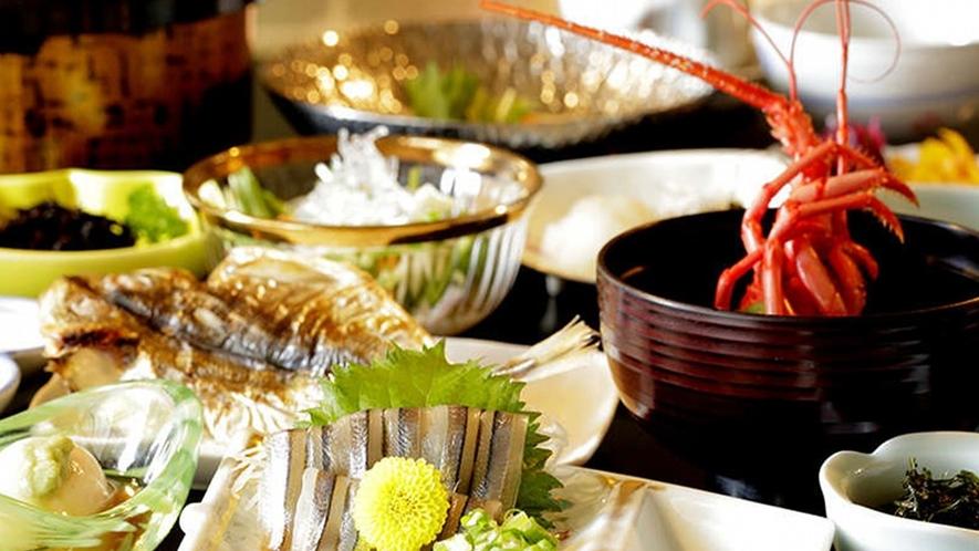 【朝食】追加料理で伊勢エビを注文すると、伊勢エビのお味噌汁がお召し上がりいただけます