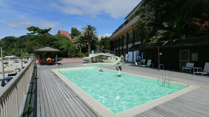 多々戸浜・夏・海水浴・ビーチは目の前徒歩1分!朝夕お部屋食プラン 屋外プールもあります★