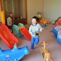 小さいお子様にも安心のキッズルームもあります