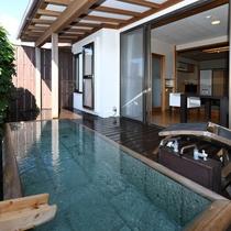 伊豆石(長方形)タイプの客室露天風呂(205号室)