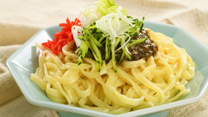 【朝食ビッフェ/郷土料理[じゃじゃ麺]】 お食事イメージ。