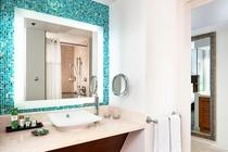 マイラニタワー オーシャンフロント バスルーム 一例