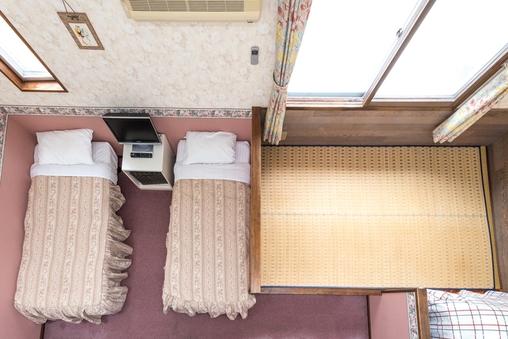 和洋室(シャワー・トイレ付)