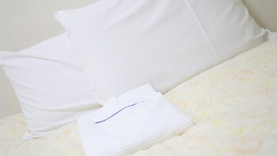 【貸出品】枕が合わず休まらない、というお客様に枕を準備しています。お気軽にお申し付けください