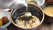 ◆選べる朝食/「お茶漬け」大好評!お代わりご飯付き。
