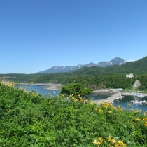 【観光】初夏のオロンコ岩からの眺めです。