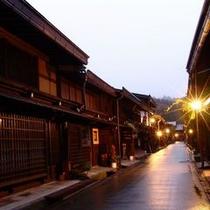 【周辺】夕暮れ時の古い町並み〜散策にはこの時間のほうがゆったりできるかも〜