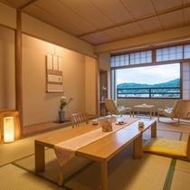 【部屋】清流宮川を見下ろす川側12畳和室