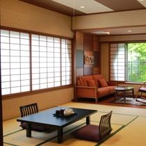 *お部屋一例/檜風呂を備え、至福のひとときを過ごせる特別和室