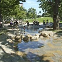 【大通公園】お子様が遊べる水場や遊具も♪