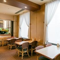 """1Fレストラン""""プリミエール""""(営業時間7:00~9:30)でしっかり朝食を!"""