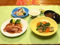 三河鶏ももステーキ御膳お料理一例