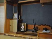 和室には昔ながらの「床の間」のあるお部屋もあります