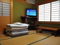 お部屋のお布団は事前に用意。お好きなときにごっりと横になれます