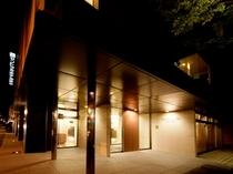 セントラルホテル岡山エントランス(夜)