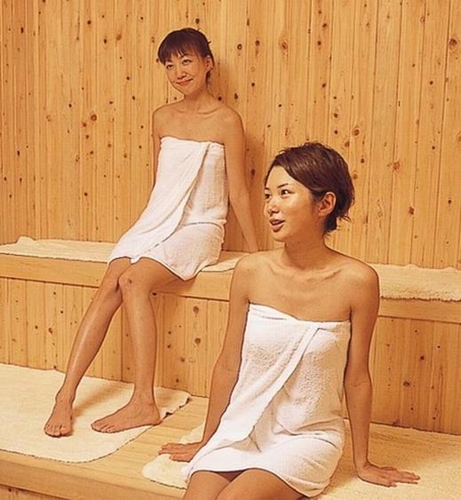 大浴場には、男女ともサウナ完備