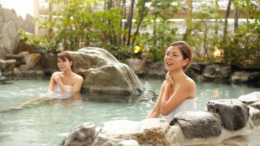露天風呂『ゆのね』右の湯 岩風呂.